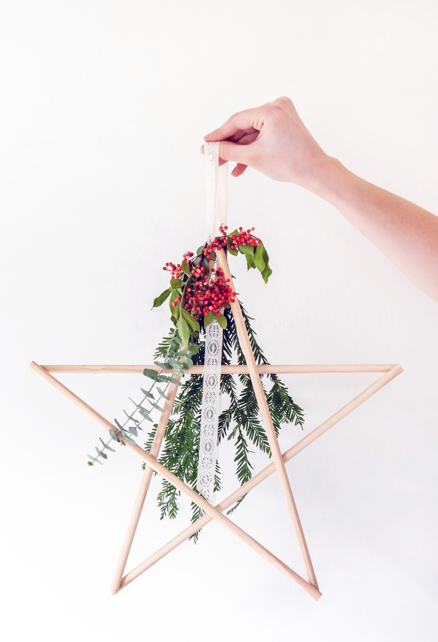 Make easy DIY star holiday decor